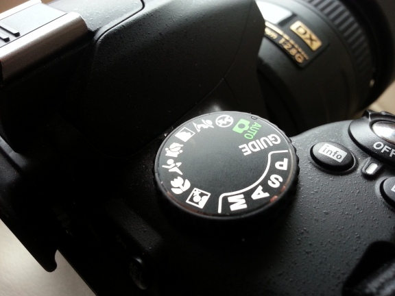 Nikon D3000 DSLR digital camera dials controls