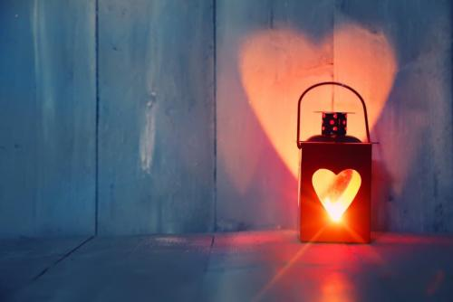 Lanterns With Heart-Shaped Light Reflection